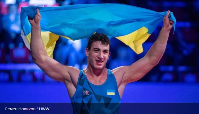 Украинец Новиков на последних секундах вырвал победу у россиянина, выйдя в финал чемпионата Европы