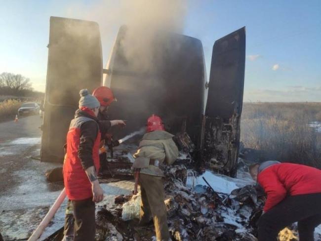 На трассе «Рени – Измаил» загорелся микроавтобус