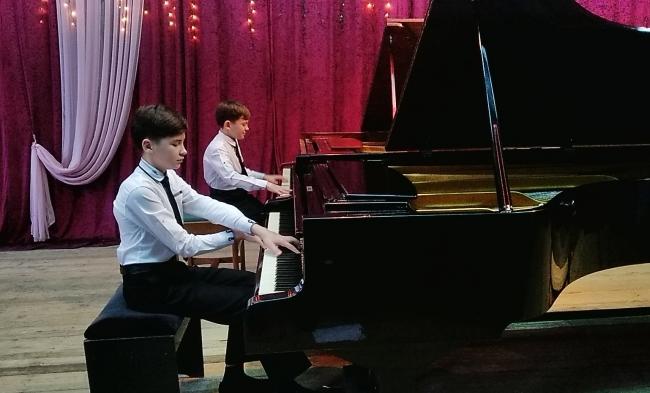 Концерт братьев Микульских