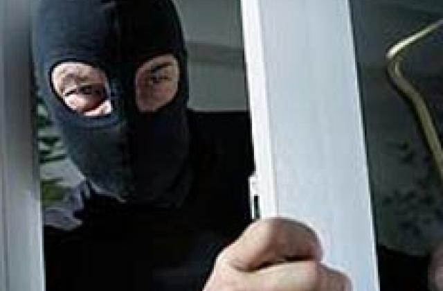 Измаильские полицейские по горячим следам задержали подозреваемого в ограблении дома местной жительницы