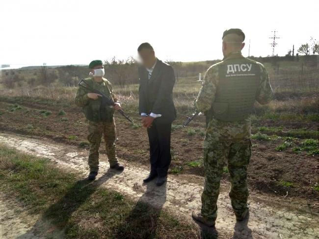 На украинско-молдавской границе задержали нарушителя при попытке незаконного пересечения