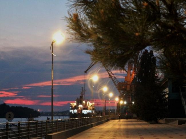 В Ізмаїльському морському порту завершено заміну огорожі та ремонт зовнішнього освітлення набережної морвокзалу