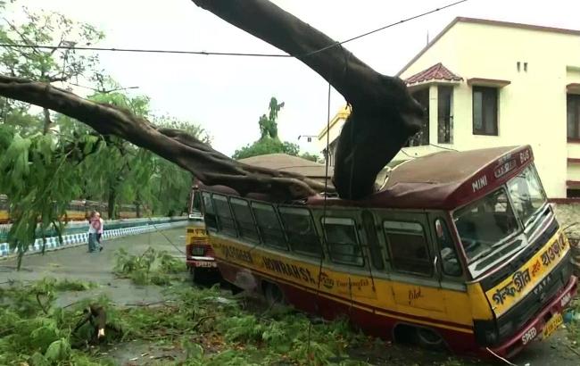 """""""Невиданная катастрофа"""": число жертв циклона """"Амфан"""" в Индии и Бангладеш превысило 80 человек"""