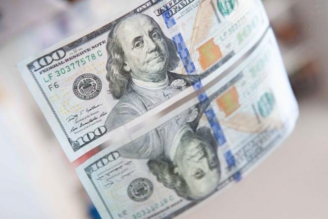 Впервые с марта в банках нет оттока срочных валютных депозитов