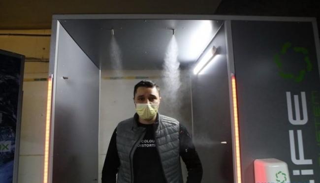 В Харькове создали кабину для дезинфекции от вирусов