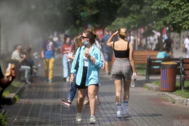 Украина попала в список стран с высокими темпами распространения COVID-19