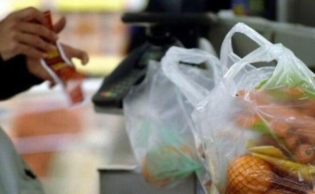 Торговые сети Киева начинают отказываться от полиэтиленовых пакетов