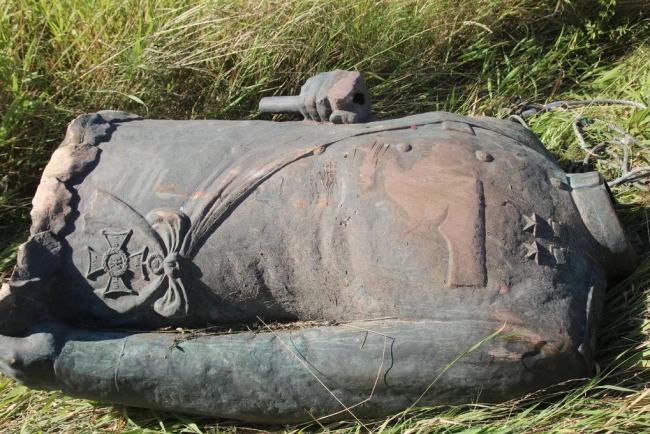 В Польше украли и обезглавили статую советского маршала Рокоссовского