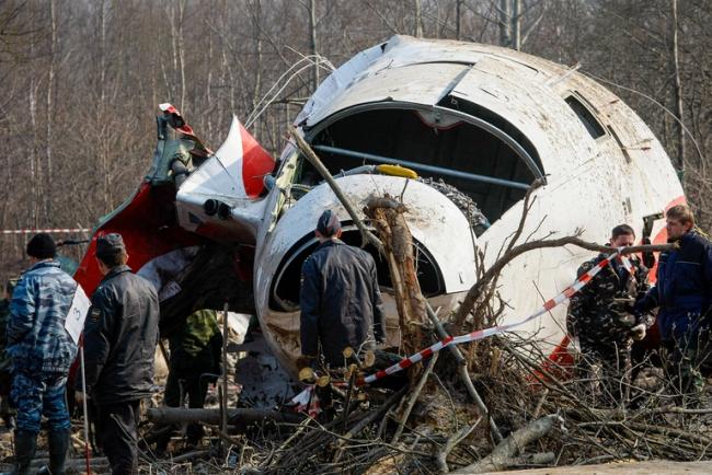 Катастрофа самолета президента Польши Качиньского в 2010-м году произошла из-за двух взрывов на борту, - комиссия Сейма