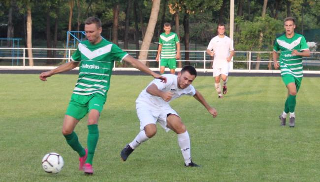 На городском стадионе было жарко: в рамках чемпионата Одесской области измаильчане встречались с татарбунарцами