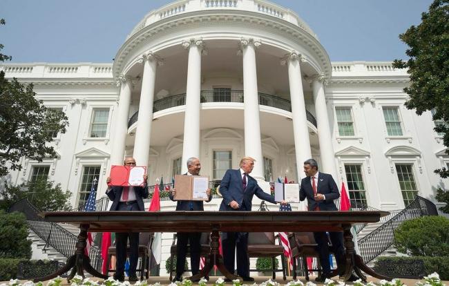 Израиль, ОАЭ и Бахрейн подписали историческое соглашение