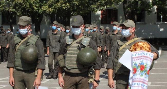 Измаильские гвардейцы встречали своих собратьев, вернувшихся из района проведения ООС