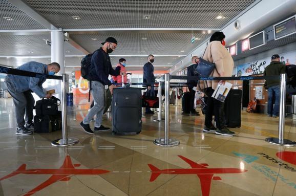 МАУ позволила клиентам неоднократно менять дату вылета по одному билету