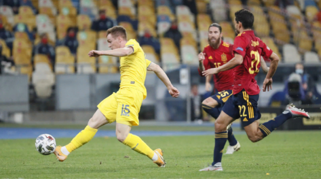 Украина впервые в истории победила Испанию благодаря голу Цыганкова