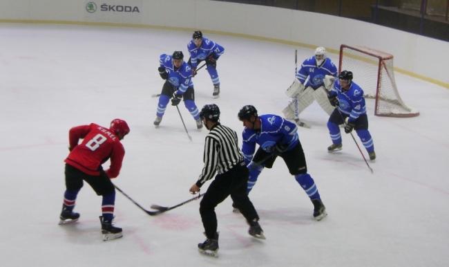 """Измаильский хоккей: от """"камышей"""" до Ледового дворца. Растём!"""