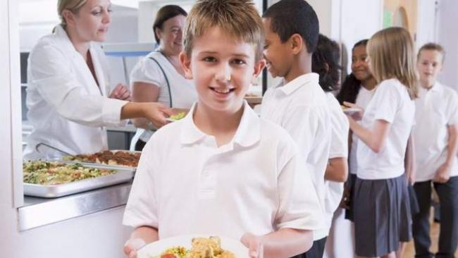 Школьное питание: как кормят детей в школах и садиках в разных странах мира