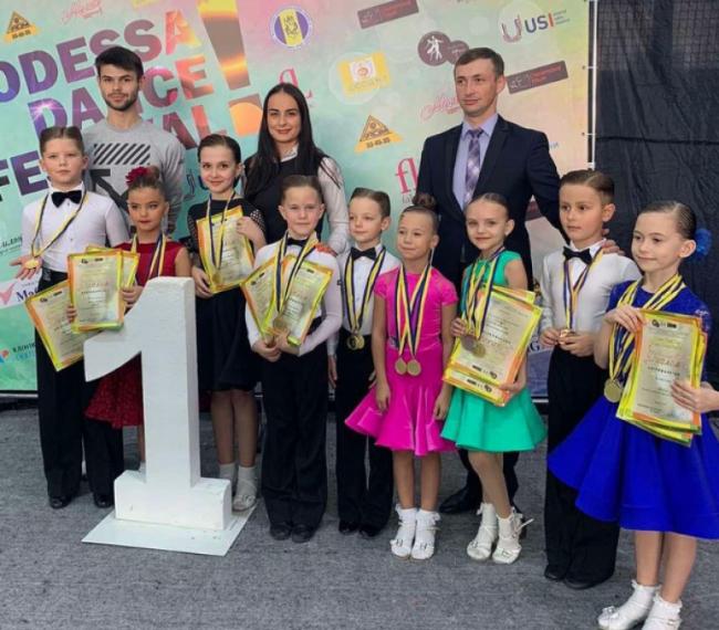 Звёздочки «Dream dance» завоевали много медалей на танцевальном чемпионате в Одессе