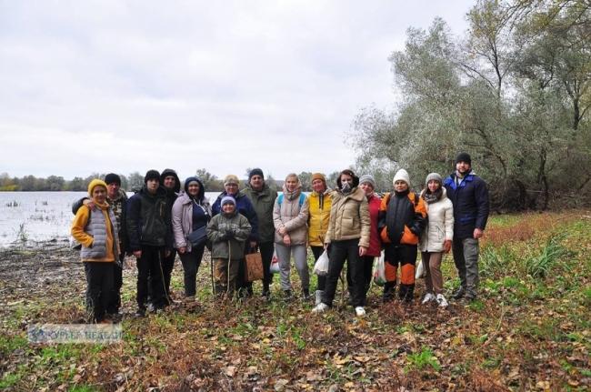 Золотой лес, задержавшиеся пеликаны и лиловые грибы: как мы на остров за впечатлениями ездили