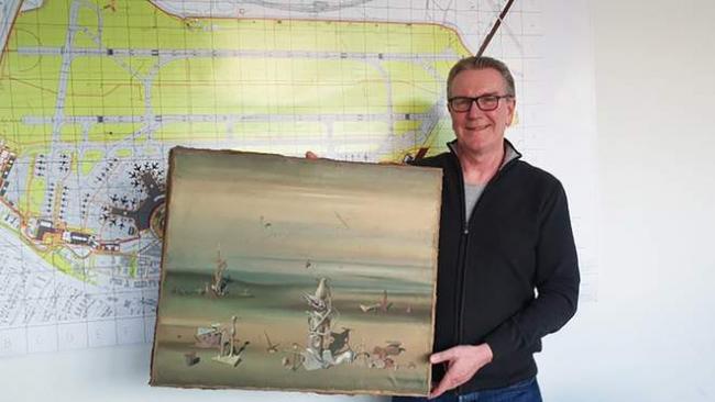 В мусоре нашли картину за 350 000 долларов, которую бизнесмен забыл в аэропорту