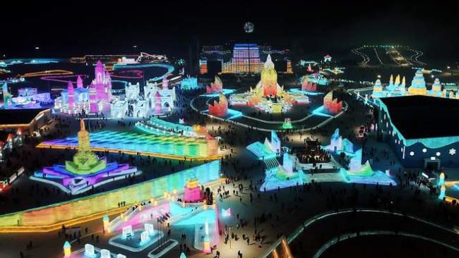 В Китае построили гигантский город из снега и льда: фото, которые поражают масштабами