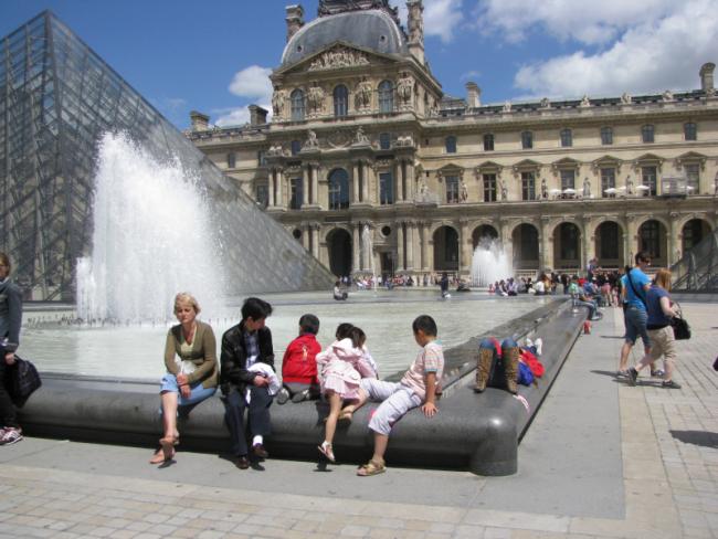 В 2020 году посещаемость Лувра сократилась на 72%