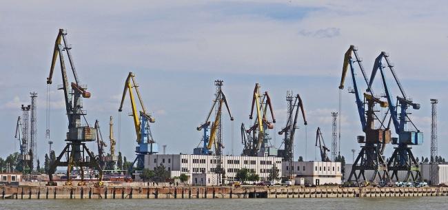 """Ренийский порт """"пробил дно"""": за два месяца – минус 47 процентов грузов"""