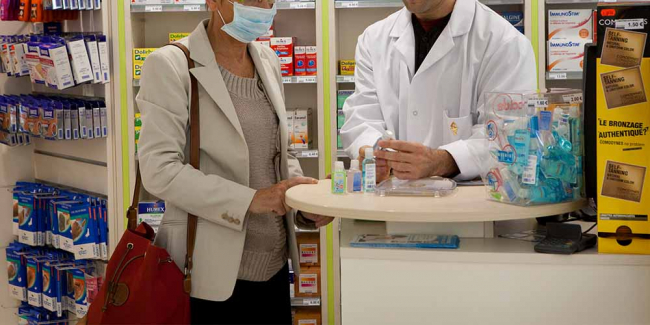 Сухой закон: в Беларуси запретили продавать по ночам аптечные спиртовые настойки