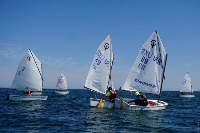 Одесские яхтсмены заняли весь пьедестал почёта на чемпионате Украины