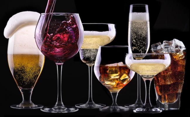 Борьба с контрафактом: в Украине снова повысят цены на алкоголь