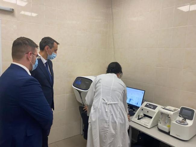 Украина получила новое оборудование и сможет сама выявлять штаммы коронавируса