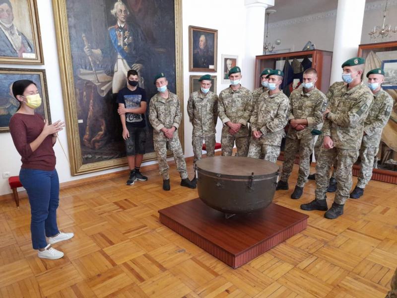 Військовослужбовці строкової служби побували в Історичному музеї ім. О.В. Суворова