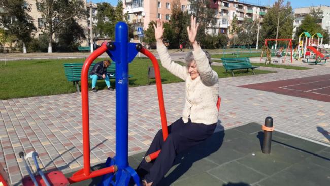 История о том, как побеждать себя и обстоятельства: в 79 лет после перелома шейки бедра жительница Килии занимается на тренажёрах