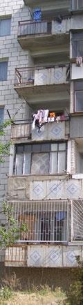 Годовалый малыш упал с пятого этажа
