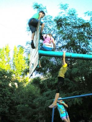 Лето в разгаре... Подсчитываем детские травмы